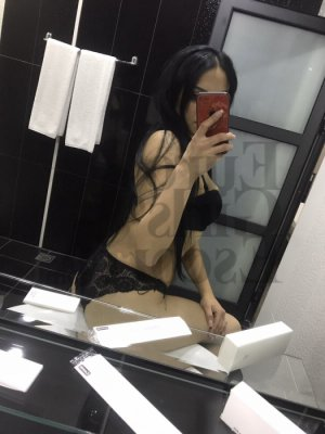 Akane escort girls in Hobe Sound FL & tantra massage