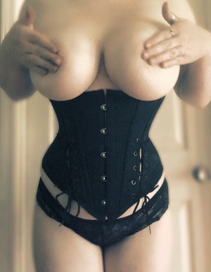Henda erotic massage & escort girl